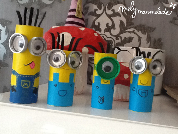diy fabriquer un minion avec un rouleau de papier toilette mely marmelade. Black Bedroom Furniture Sets. Home Design Ideas